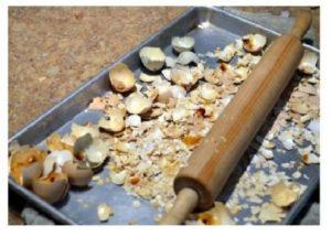 Секреты сбора хранения и применения яичной скорлупы на огороде