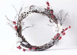 Как сделать кольцо для новогоднего венка
